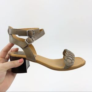 SPERRY GOLD CUP Vivian Mora Leather Block Sandals